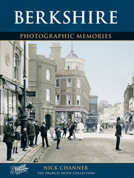 Cover image of Berkshire Photographic Memories