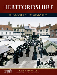 Cover image of Hertfordshire Photographic Memories