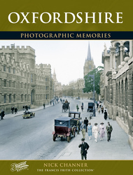 Cover image of Oxfordshire Photographic Memories
